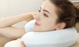 【U型枕用法 】正確使用U型枕|五個U型枕另類超強功用!