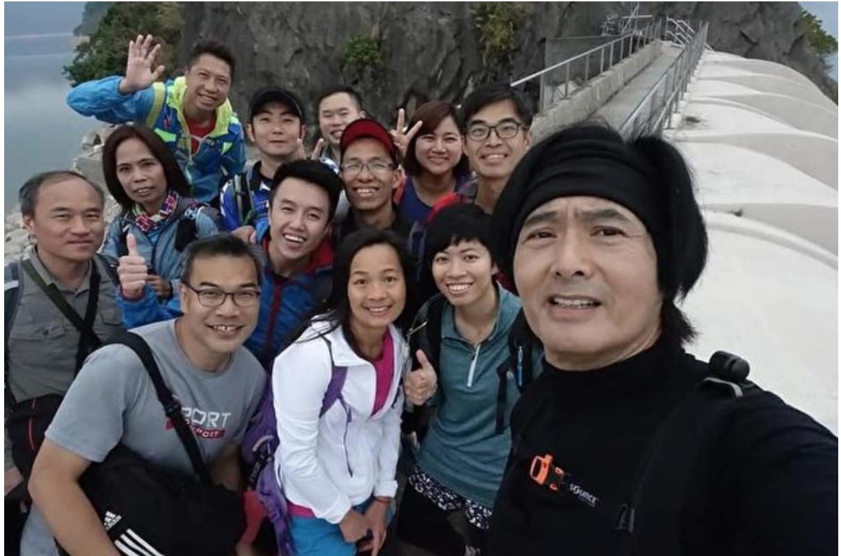 旅行時遇到大明星的經驗 | 過年爬山巧遇周潤發 網友曝合照引發熱議