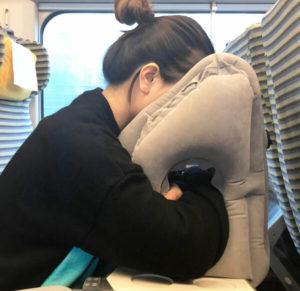 旅行抱抱枕