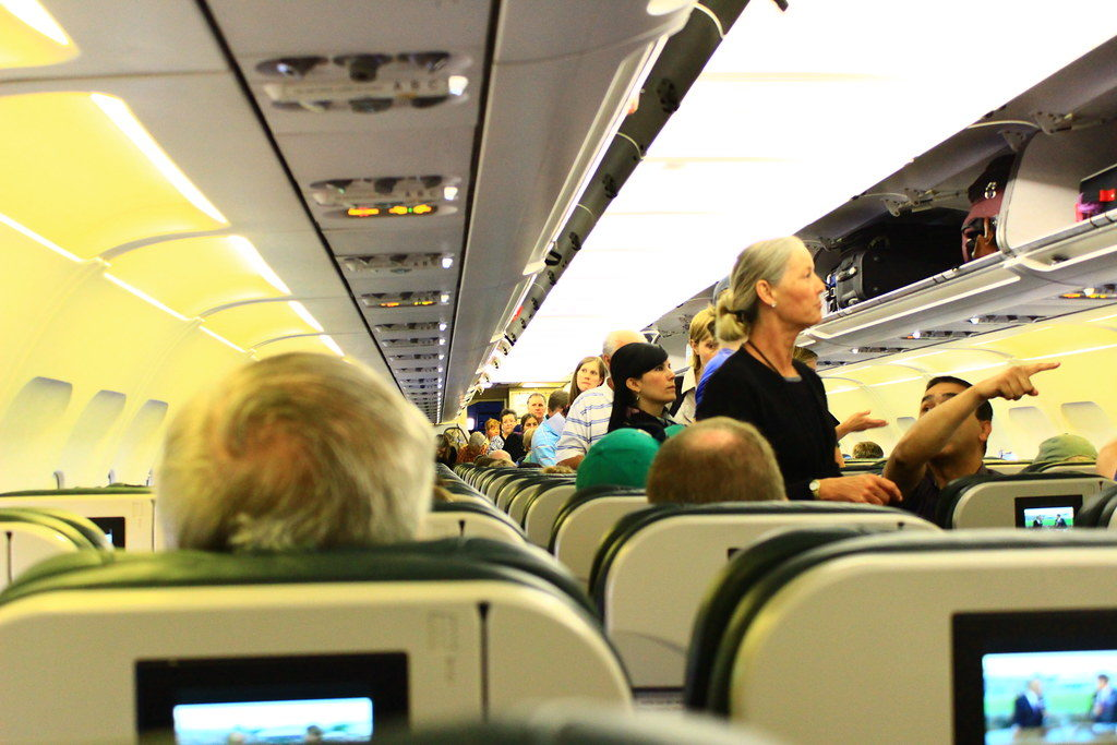 登機箱可以帶上飛機