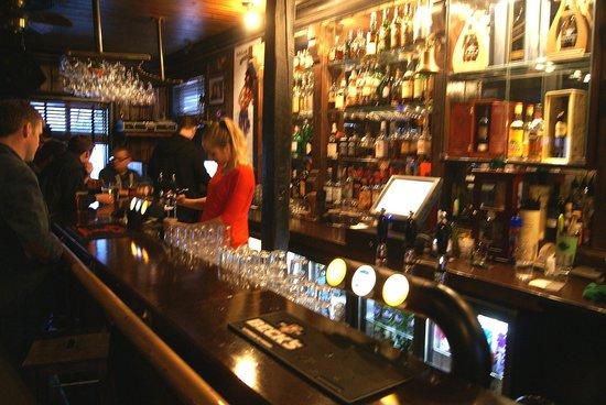 Dilon Whiskey Bar